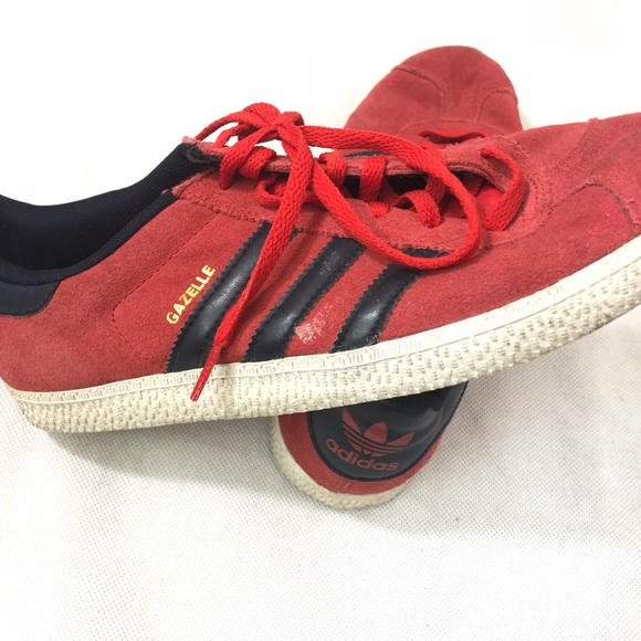 f5846583405f9 7 Red Poshmark Sneakers Suede Adidas Shoes Black Gazelle BUI54Rxq